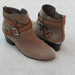 Coach Pauline Sz 8 Tan Nubuck Leather Ankle Boots